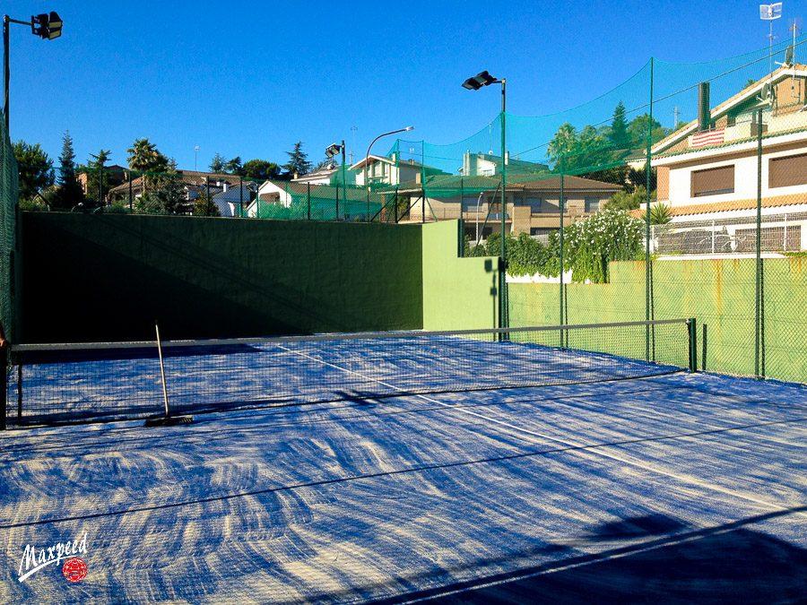 Renovacion césped artificial en Nou Tennis Belulla