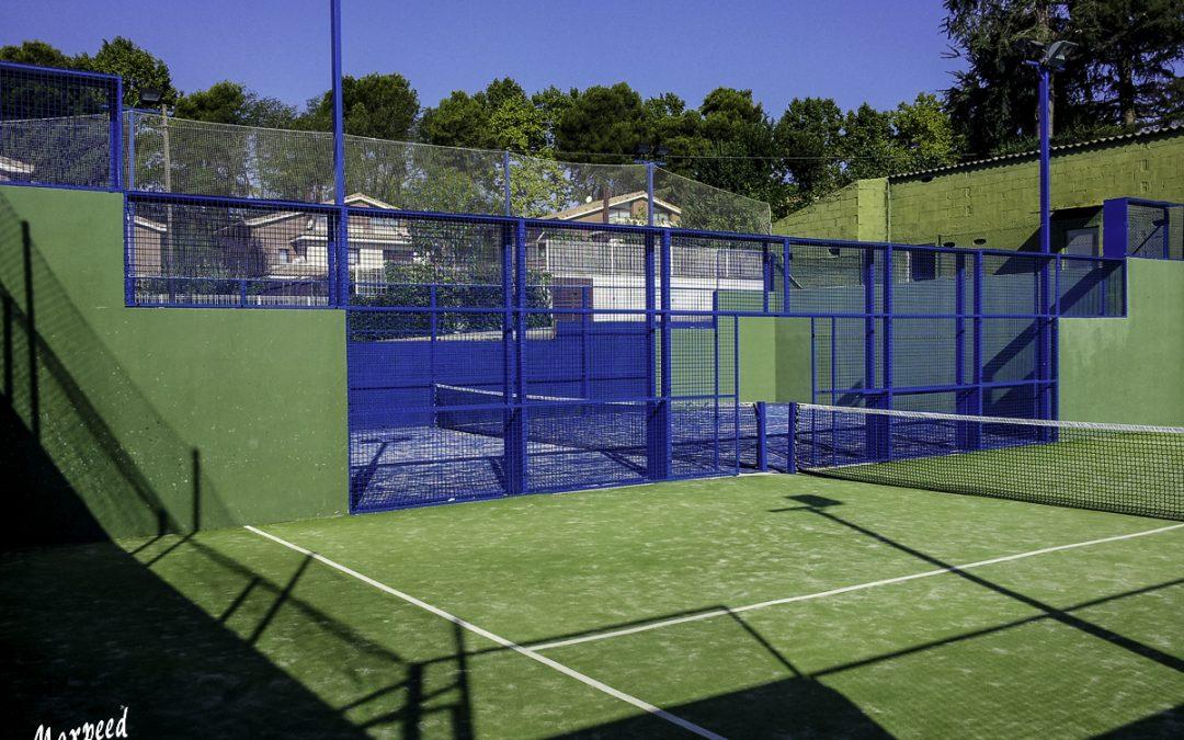 Renovación de cierres metálicos del Nou Tenis Belulla