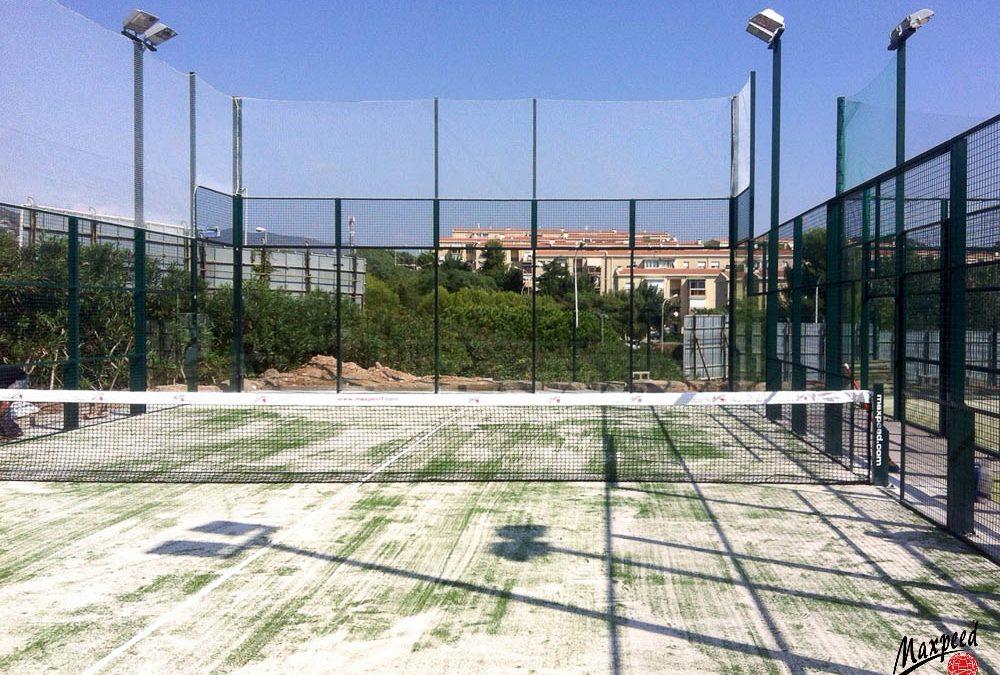 Construcción pista pádel cristal MX-150 en Tennis Club Badalona