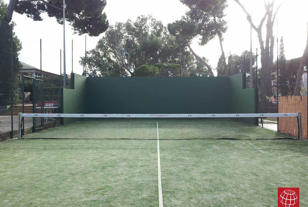 Renovación cesped artificial pista padel nº1 en el Club Tennis Andres Gimeno