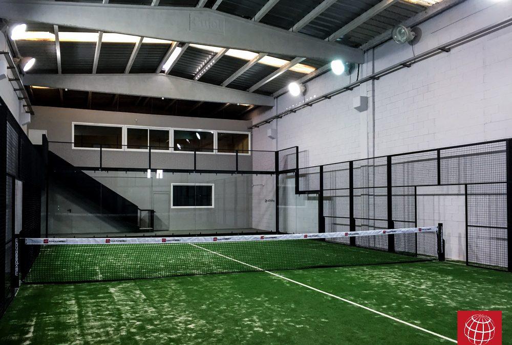 Construcción de pista de pádel MX Panorámica en Aqua Sports Club