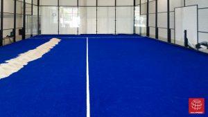 Construcción de una pista de pádel en el Padel Indoor Cub Garraf