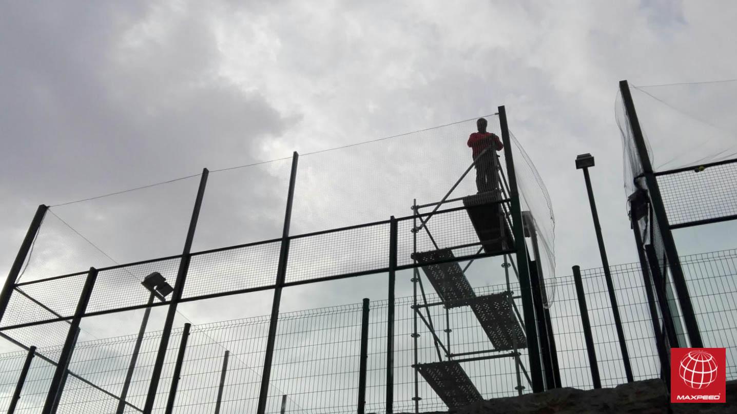 Instalaci n de redes de protecci n en tennis club badalona for Redes de proteccion