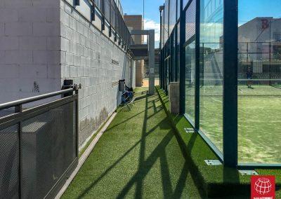 maxpeed-instalacion-cesped-decorativo-club-esportiu-gran-via-mar-castelldefels-016