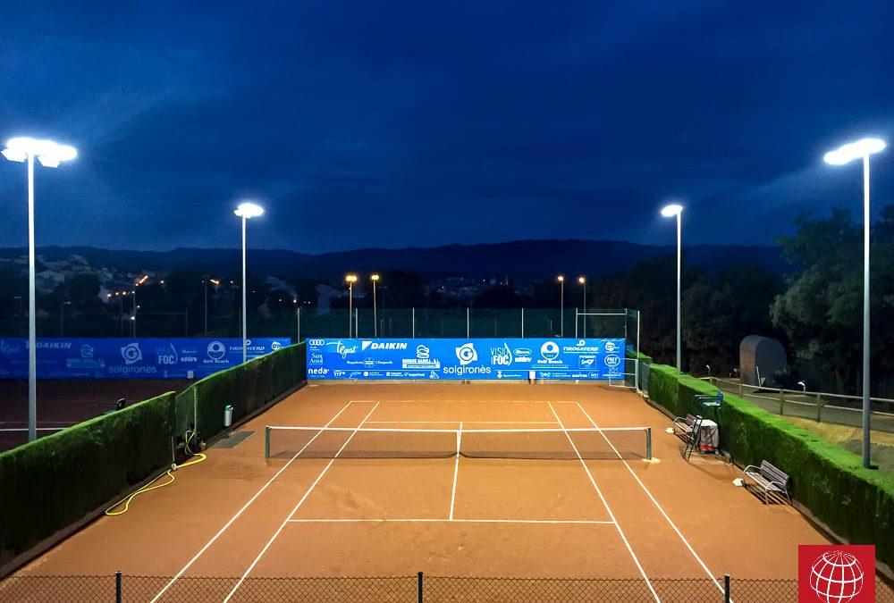 El Club de Tennis La Bisbal Centre Esportiu estrena iluminación