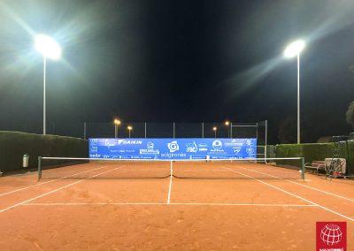 maxpeed-instalacion-iluminacion-led-proyector-proluxe-M-300-club-tennis-la-bisbal-centre-esportiu002