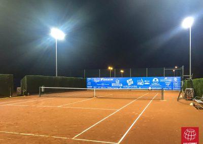 maxpeed-instalacion-iluminacion-led-proyector-proluxe-M-300-club-tennis-la-bisbal-centre-esportiu003