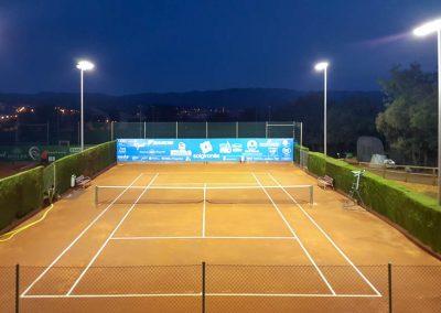 maxpeed-instalacion-iluminacion-led-proyector-proluxe-M-300-club-tennis-la-bisbal-centre-esportiu004
