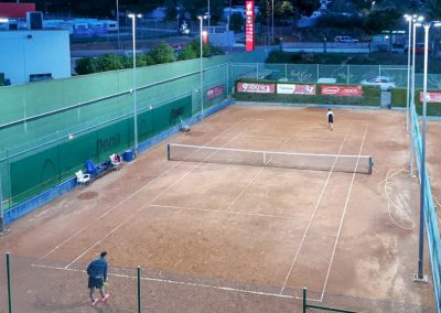 maxpeed-instalacion-proyectores-led-pistas-tenis-club-tennis-malgrat-006