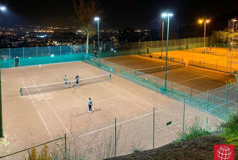 Renovada la iluminación de 4 pistas de CE Vall Parc