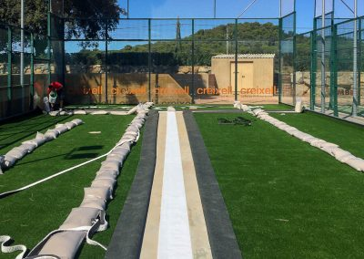 maxpeed-renovacion-cesped-2-pistas-padel-club-tenis-costa-brava-011
