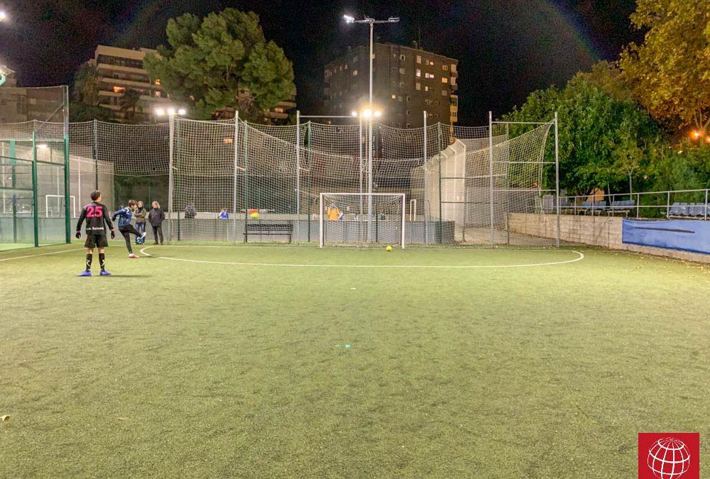 La iluminación LED llega al campo de fútbol del CE Laietà
