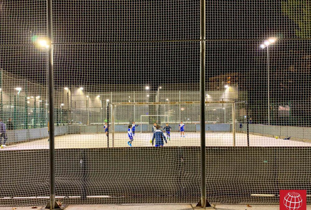La pista de hockey del CE Laietà también estrena iluminación