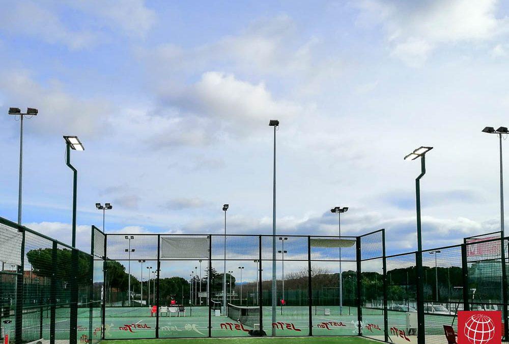 El Club Tennis Manresa nos confía la iluminación led de la pista de pádel nº6