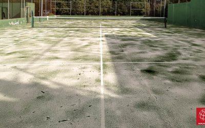 Maxpeed renueva el césped de la pista de tenis del Hotel Mas Torrent