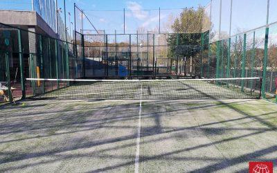 El Club Tennis Sabadell renueva también el césped de su pista de pádel nº 7
