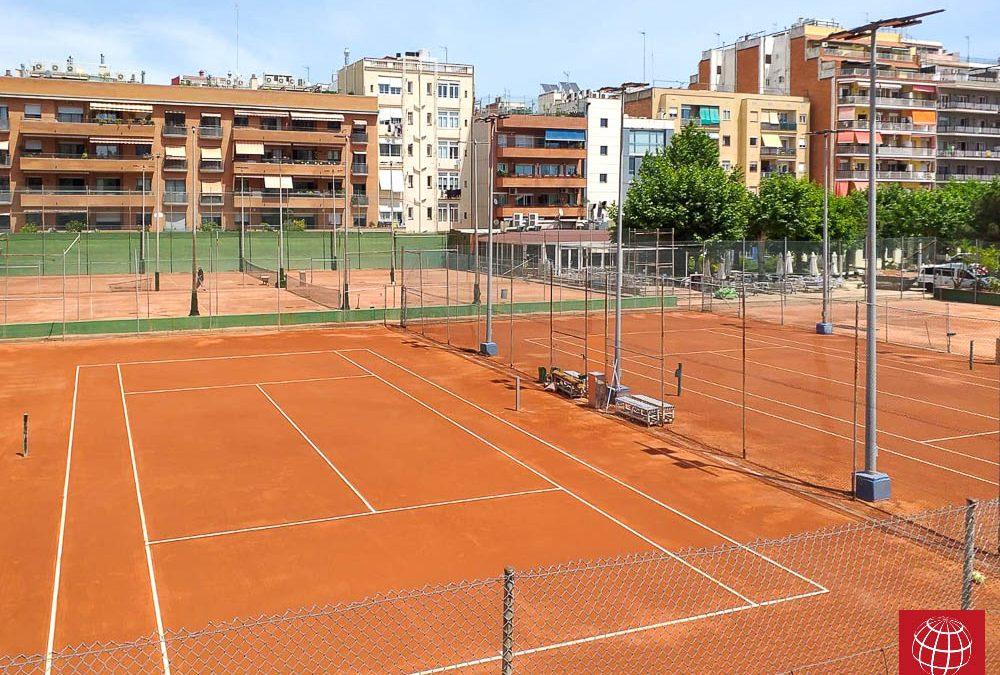 Renovación de dos pistas de tenis de tierra batida en el Club Natació Sant Andreu