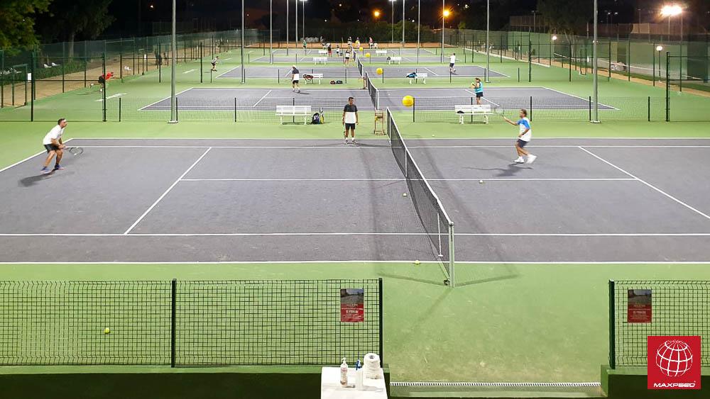 Iluminación LED Maxpeed by Enerluxe en las nuevas pistas de tenis del Club Nazaret