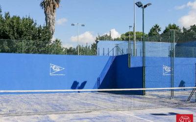 Cambio césped pistas de pádel del Club Marítim Altafulla