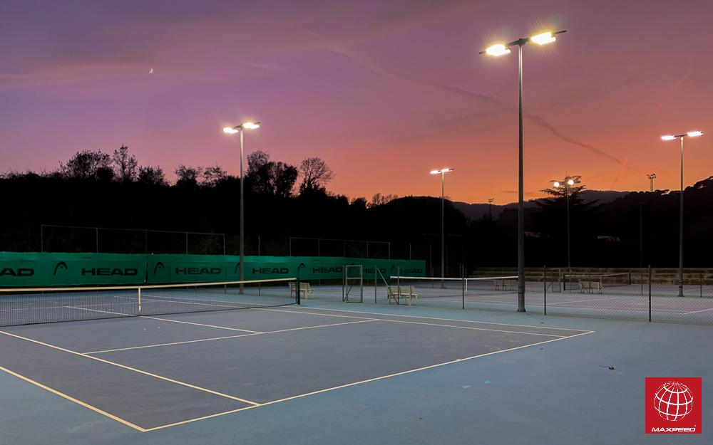Maxpeed renueva la iluminación de las pistas de tenis 2 y 3 de Foment d'Esport Tona