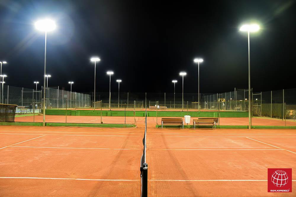 Instalación de Iluminación LED en todas las pistas de tenis de tierra batida del Club Tennis Costa Brava