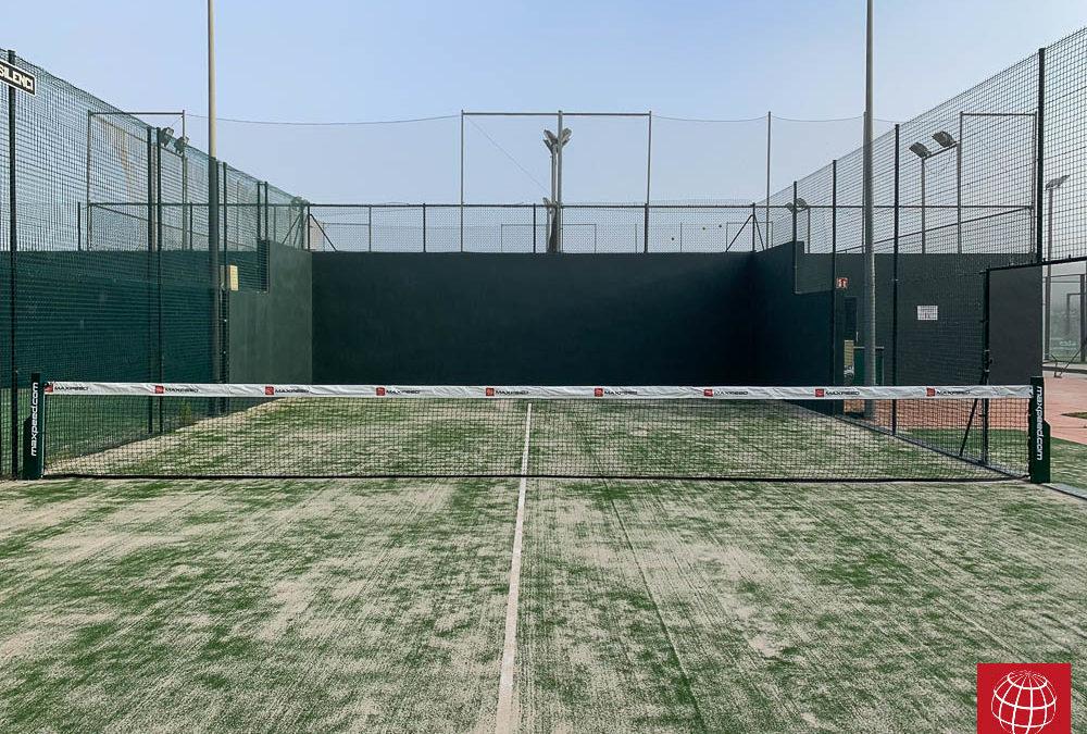 Cambio de césped en dos pistas de pádel del Club Tennis Llafranc