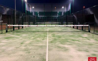 Instalación de iluminación LED en dos pistas de pádel del Aquapadel Tennis Palafrugell