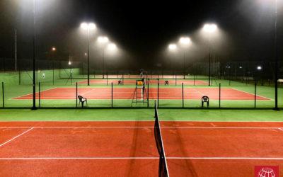 Club Tenis Codesal instala luces LED Maxpeed by Enerluxe en sus pistas de tenis
